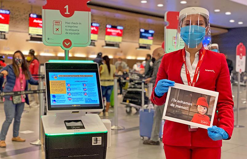 Personal de check in de Avianca.