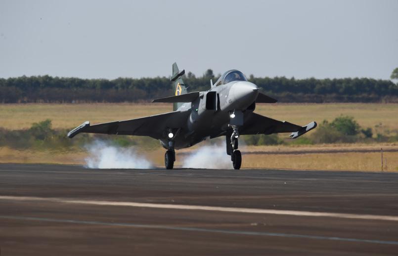 Primer vuelo del Gripen E en Brasil.
