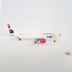 Modelo Airbus A320 de Viva Colombia a escala 1:200.