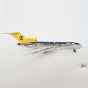 Modelo Boeing 727-100 de AeroRepública a escala 1:200.