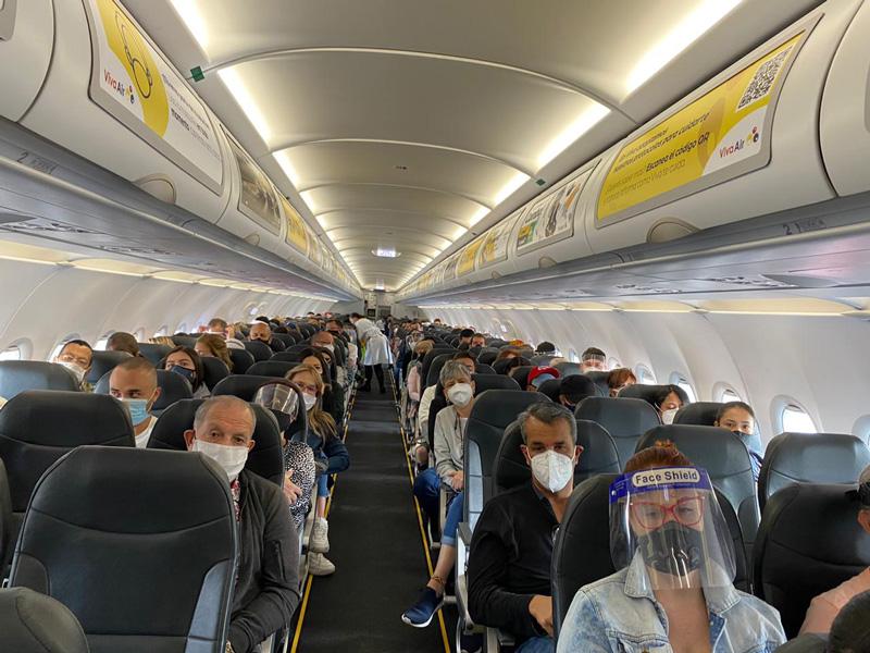 Primer vuelo de Viva Air entre Cartagena y Miami.