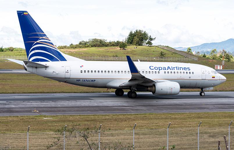 Boeing 737-700 de Copa Airlines en el aeropuerto José María Córdova de Rionegro.