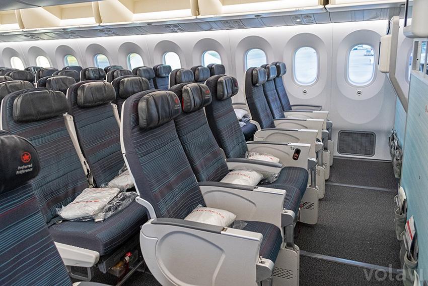 Clase económica en un Boeing 787-9 de Air Canada.