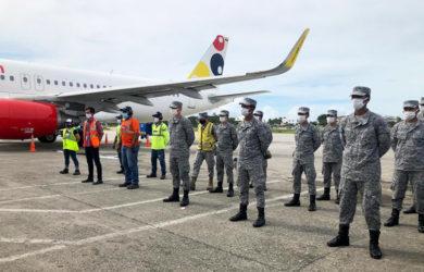 Transporte de ayuda humanitaria por parte de Viva Air a San Andrés.