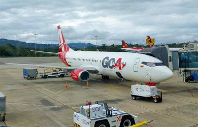 Boeing 737-400 de GCA Airlines en el Aeropuerto Palonegro de Bucaramanga.