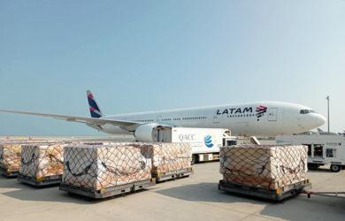 Boeing 777-300ER de LATAM Airlines en Doha, Qatar.