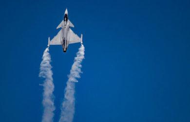 Saab Gripen C en vuelo.
