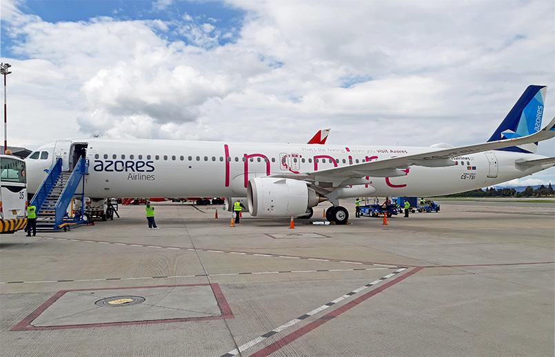 Airbus A321LR de Azores Airlines en el aeropuerto internacional El Dorado de Bogotá.