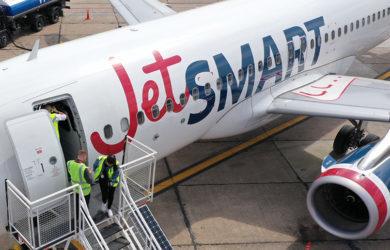 Airbus A320 de JetSmart en tierra.
