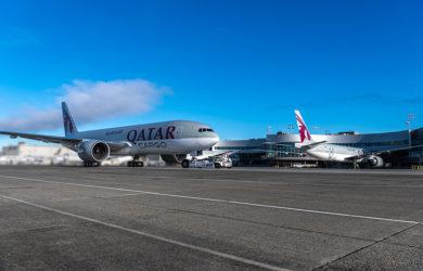 Entrega de tres aviones Boeing 777F a Qatar Airways Cargo.