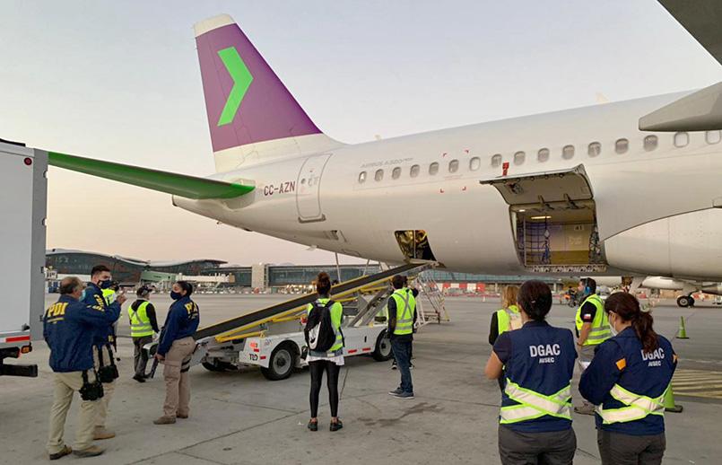 Transporte de vacunas contra COVID-19 en un Airbus A320neo de SKY.