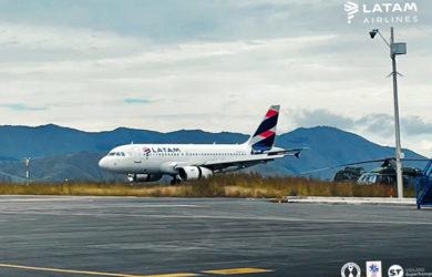 Airbus A319 de LATAM Colombia aterrizando en Pasto.