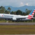Boeing 737 MAX 8 de American Airlines en el aeropuerto José María Córdova de Medellín.