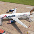 Airbus A320neo de JetSmart estacionado.