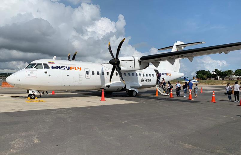 ATR 42 de EasyFly en el aeropuerto Alfonso Bonilla Aragón de Cali.