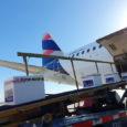 Transporte de vacunas en avión solidario de LATAM Airlines.