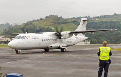 ATR 42 de EasyFly en el aeropuerto La Nubia de Manizales.
