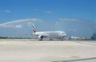 Boeing 777-300ER de Emirates en su vuelo inaugural a Miami.