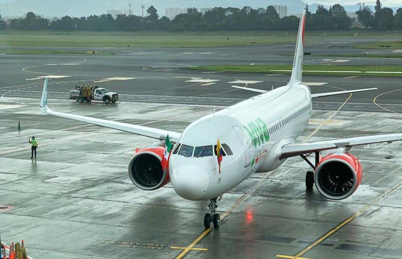 Airbus A320neo de Viva Aerobus en el Aeropuerto Internacional Eldorado de Bogotá.