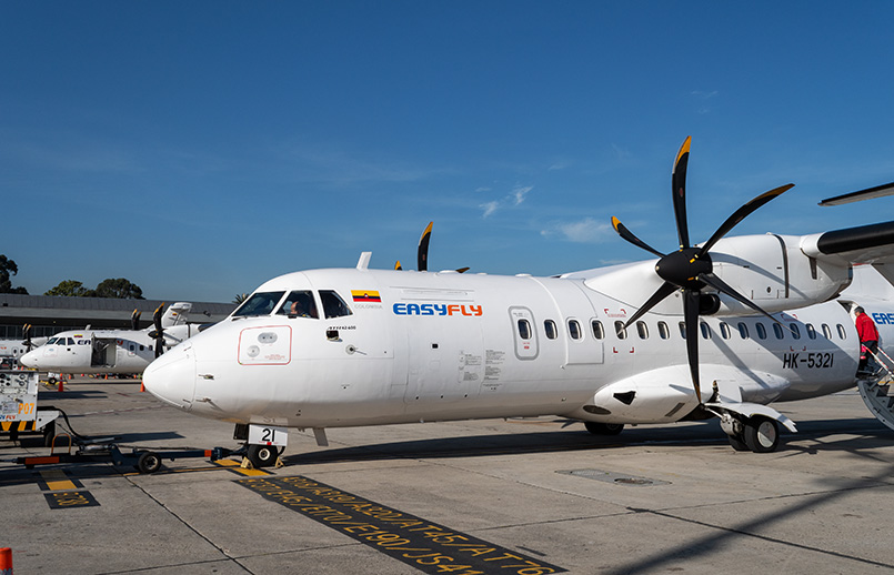ATR 42-600 de EasyFly en el Terminal Puente Aéreo de Bogotá.