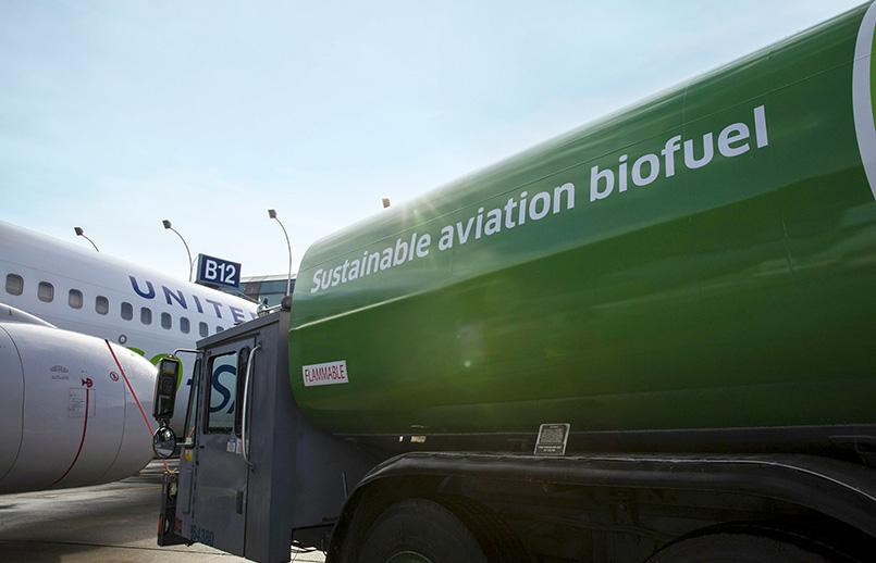 Combustible de aviación sostenible impulsado por United Airlines.