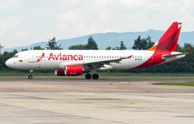 Airbus A320 de Avianca en el aeropuerto Eldorado de Bogotá.